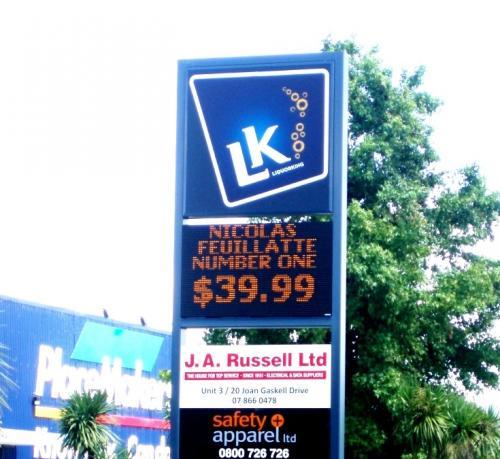 Electronic Digital LED Sign Liquor King Whitianga