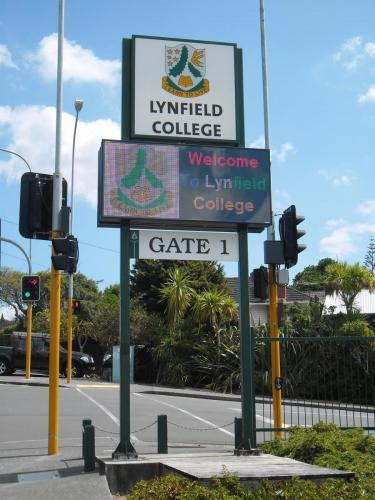 Electronic Digital LED Sign Lynfield College 1