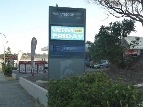 Electronic Digital LED Sign Mollymook Golf-Club